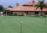 house-putting-green